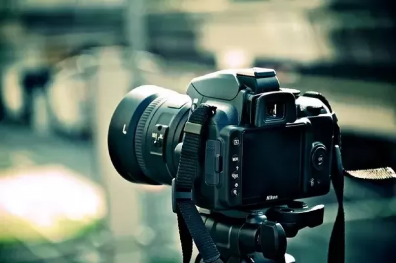 CORPORATE VIDEOS & INDUSTRIAL PHOTOGRAPHY